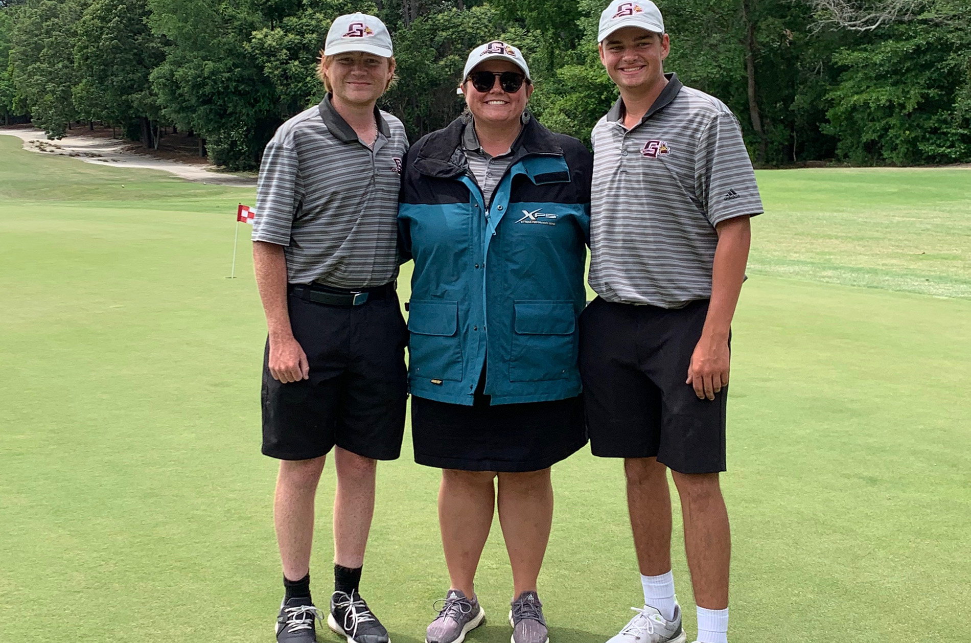Nicole Amick and friends on golf course